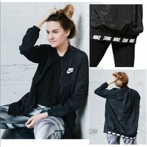 WOMENS NIKE ADVANCE 15 BOMBER JACKET